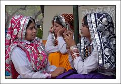 B8020117_800x555 (suchitnanda) Tags: india shopping handicraft village north fair wb 2008 suraj mela southasia westbengal haryana kund