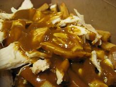 Curry Chicken Poutine (Rene S. Suen) Tags: toronto chicken cheese gravy curry potato fries poutine fried curd currychicken renedinesout tasteto smokespoutinerie