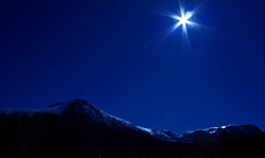 Moonlight mountains (Lisa-Mari) Tags: longexposure winter sky moon mountain snow norway 30 night canon stars eos star long exposure skies kitlens front hills explore page second moonlight starry 30s sunnmre mreogromsdal 450d moreogromsdal sunnmore hellandshornet