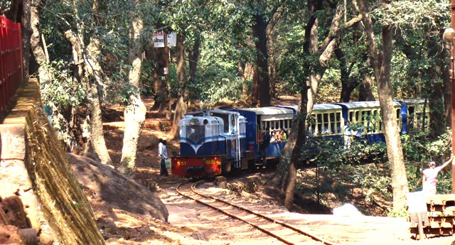 Neral+matheran+toy+train