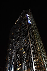Radisson SAS Plaza Hotel (ilmobolin) Tags: building oslo norway night osloplaza radissonsas