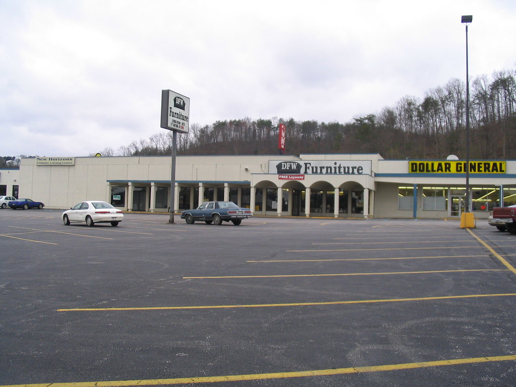 Yet another former Kroger superstore...