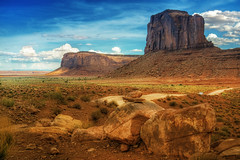simply (Wolfgang Staudt) Tags: travel red summer arizona sky usa mountains beautiful yellow clouds sunrise landscape utah spring amazing nikon sandstone butte desert nikond70 sigma 2006 northernarizona wilderness navajo monumentvalley vacancy navajoreservation soe lonelyness coloradoplateau navajoindianreservation blueribbonwinner navajonation travelphotographie din thegalaxy abigfave tsbiindzisgaii wolfgangstaudt sigmaaf4561020dchsm anawesomeshot impressedbeauty 66111 superhearts tribehorizon vigilantphotographersunite vpu2 vpu3 vpu4 vpu5 vpu6 vpu7 vpu8 vpu9