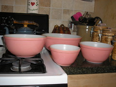 I am absolutly in love!!! PINK PYREX!! (allhallowseve77) Tags: pink blue vintage bowls pyrex glasbake