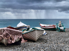 Barcas / Boats (Antonioski) Tags: sea boats lumix colours colores panasonic barcas hdr almuecar fz18 photofmflickr