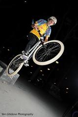 DSC_0289 flickr ( YariGhidone ) Tags: street rock torino jump jumping style tire drop nike dirt da salto 100 mm piazza grab livio turin bianco dro fron gandi shox mde scivolo yari argyl avil tiregrab ghidone