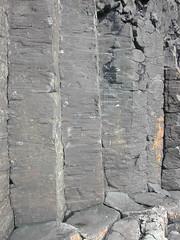 Columns near Fingal's cave (stephen w morris) Tags: scotland columns physics cave column geology cracks fracture basalt hebrides staffa columnar columnarjoints patternformation