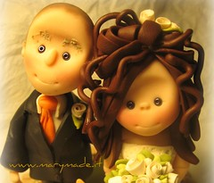 Cake topper for Laura (marytempesta) Tags: polymerclay brides weddings grooms caricatures polymer caketoppers
