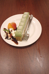 Green tea Tiramisu stick cake -  _1038469 (~Nisa) Tags: food dessert japanese restaurant strawberry singapore asia tea chocolate cream mint fork whippedcream tiramisu matcha greentea mandarinorange chocolatesauce greenteatiramisu mintleaf cuppage starhubcentre cuppageroad stickcake warakudegohan greenteatiramisustickcake 51cuppageroad