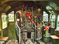 Footplate of the Britsh steam locomotive 5900 Hinderton Hall at Didcot Railway Cantre (Anguskirk) Tags: uk england heritage museum eu trains 5900 berkshire locomotives gwr 460 didcotrailwaycentre greatwesternrailway hallclass hindertonhall topazadjust topazdetail
