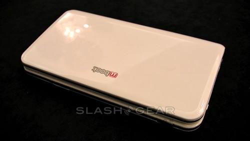 umid-m1-mid-mwc09-slashgear-01-androidcommunitycom