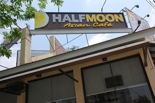 HalfMoon restaurant
