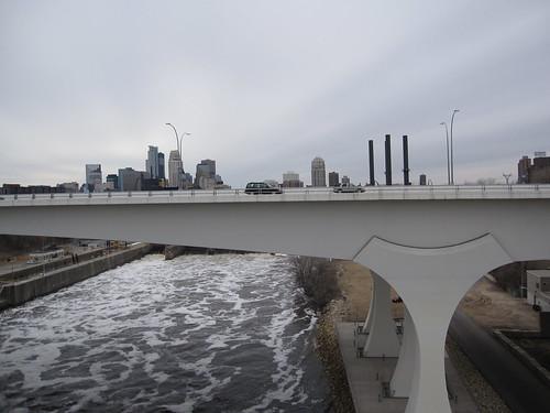 35W Bridge and Minneapolis Skyline form 10th Ave Bridge