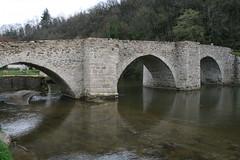 Solignac le pont cot aval (philoo 14) Tags: bridge france stone geotagged pierre pont xii limousin hautevienne solignac briance geo:lon=12727 geo:lat=45753513 philoo
