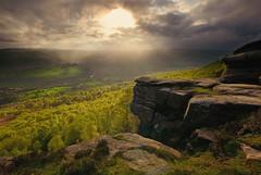 Light on Curbar Edge 2 (andy_AHG) Tags: rural landscape evening derwentvalley derbyshire peakdistrict scenic hills valleys moorland britishcountryside potofgold blueribbonwinner curbaredge nikond200 breakinglight dragondaggerphoto flickrclassique daarklands