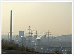 Blick von der Schurenbachhalde mit Bramme im Ruhrgebiet