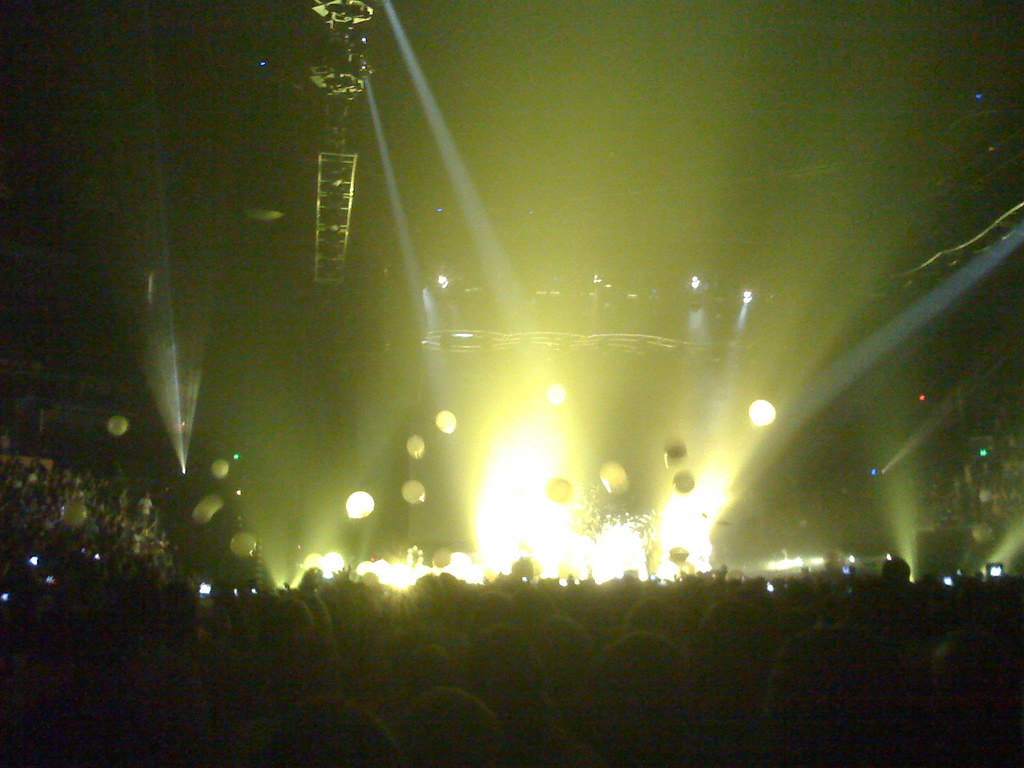 Coldplay playing Yellow