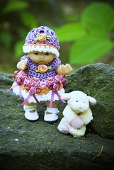 Nice day in the park with Jolie (Singing With Light) Tags: nyc summer ny furry doll sheep pentax centralpark may jolie kiwi fridgemagnet memorialday jjp k200d bahbahra rockcentralparkjjpk200dnynycsummermaymemorialdaypentax