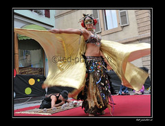 12938 (www.ted-photos.ch) Tags: france festival ball dragon indian arts rue sion boule artiste spectacle danseuse comique contorsioniste quilibriste