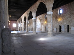 RHODES - Knight's Hospital: hall where ill people were accomodated (Andra MB) Tags: hospital stjohn unesco greece knights grecia griechenland rodos rhodes 2009 worldheritage kulturwelterbe yuanistan cavaleriiioaniti