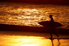 Sillhouette Sunset Surfer (Blyzz) Tags: sea water surfer wave sillouette woodbridgeisland milnertonbeach