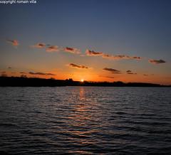 sunset on the lake (romvi) Tags: sunset lake paris france reflection seine de lago atardecer soleil nikon europe tramonto coucher lac villa et 77 reflets base romain marne d90 vaires romainvilla romvi