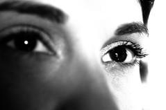 Pensiero Stupendo - Fantastic (Stefano Mazzoni) Tags: italy rome roma macro fantastic eyes nikon thought italia explore occhi sguardo micro highkey glance ritratto fantastico portrai d300 pensiero romanticismo battisti blackwhitephotos esplora stefanomazzoni pensierostupendo nikond300 ritrattidiof stefano485 nonfrancesca