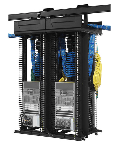 2 Cisco Nexus 7000 10-Slot Switches