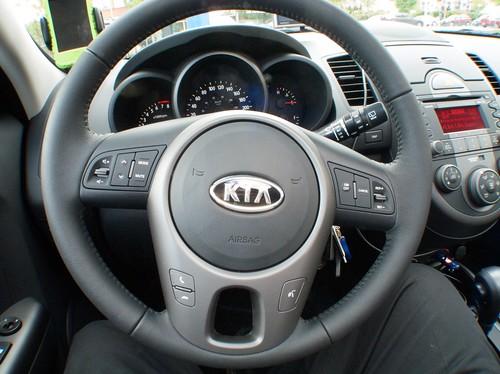 Kia Soul steering wheel layout