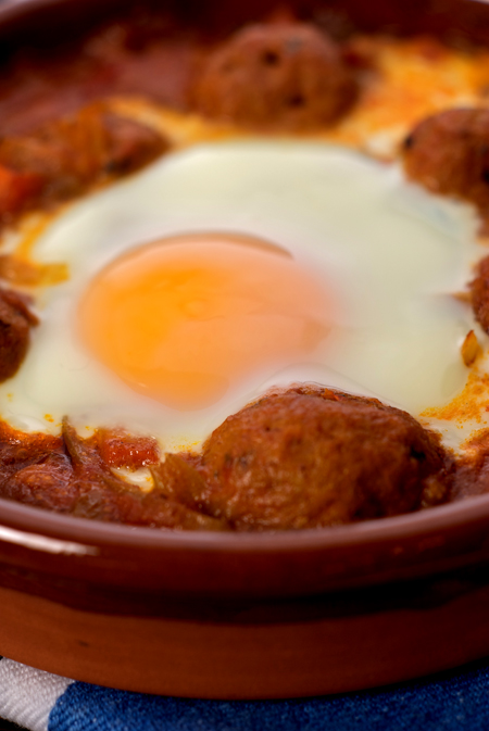 baked eggs with tomato and polpette© by Haalo