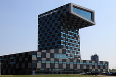 Scheepvaart & Transport College (sebastien banuls) Tags: voyage travel college netherlands photography rotterdam photographie transport nederland  kopvanzuid paysbas pases euromast niederlande  hollande scheepvaart hollandia paesi bajos bassi  holandia baixos nederlnderna  alankomaat    rottardam scheepvaarttransportcollege
