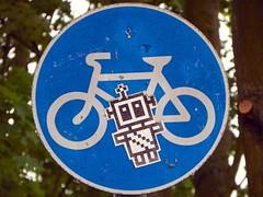 streetart sign graffiti cycling robot sticker cycle stevenage hertfordshire swc mrrobot project365 stevenagewreckingcrew z981