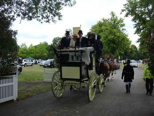 Llegando a Ascot en carruaje