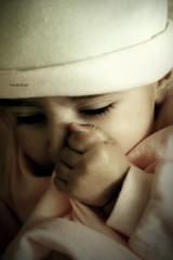 ,, (Weda3eah*) Tags: pink cute girl bebe qatar weda3eah