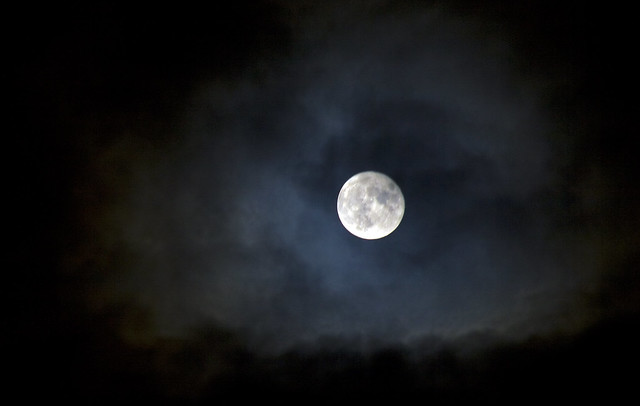 Fullmåne på nattehimmel Foto: Helge Carlsen/Flickr.com