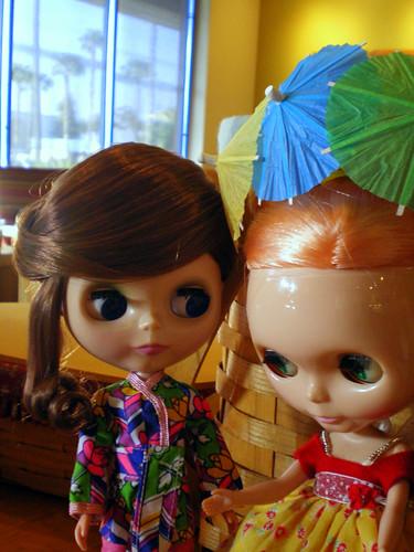 Lounging Lovely (Ashton-Drake Gallery) Blythe Meets Mademoiselle Rosebud
