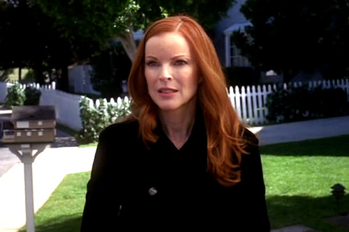 00767314-photo-marcia-cross-est-bree-van-de-kamp-dans-desperate-housewives