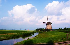 Sun is in the sky oh why, oh why would I want to be anywhere else? (Hannah Tich) Tags: holland windmill landscape quality pixels