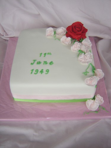 Sherieka s blog 60th wedding anniversary cake the lady made the fruit