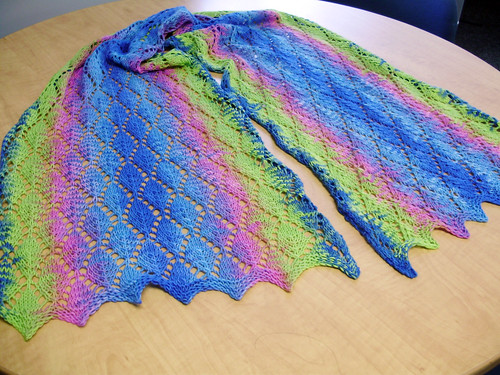 I absolutely love this one!  I am SO going to attempt something like it with the right yarn.