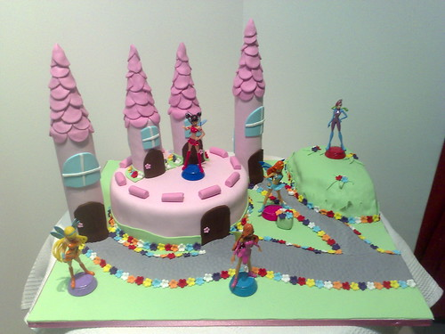 Castelo winx - winx castle cake