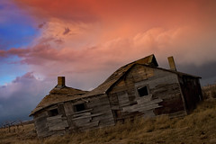 Anderson Homestead 2011: Dusk approaches (McCormick Photography) Tags: abandoned alberta homestead neutralhills