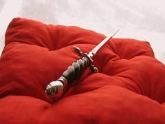 stiletto (toto nol sem) Tags: red knives dagger stiletto paulchen hanwei toto07
