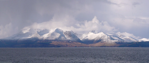 Arran in snow and cloud 04Mar09