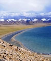 Nam Tso and Nyenchen Tanglha range (reurinkjan) Tags: nature tibet 2008 changtang namtsochukmo tibetanlandscape tengrinor janreurink damshungcounty damgzung tashidorgompa   nyenchentanglharange