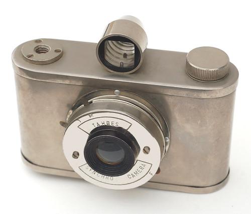 Tahbes Synchro Camera