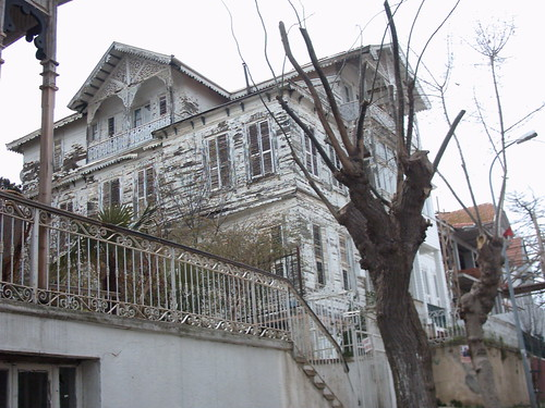 halki-house3
