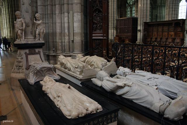 Gisants de Clovis II, Charles Martel, Isabelle dAragon, Philippe III le Hardi et Philippe IV le Bel : ça en fait du beau monde!