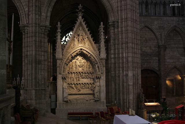 Tombeau du roi Dagobert, placé à lendroit où le roi fut inhumé en 639