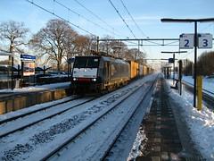 E 189098 ERS railways at Horst-Sevenum,the Netherlands (giedje2200loc) Tags: electric train siemens trains container locomotive railways trein ers intermodal elok br189 intermodals goederentrein treinenspotten 189098 bauhreihe189